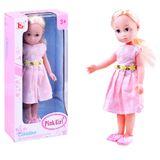 Elegantní panenka v jarních šatech