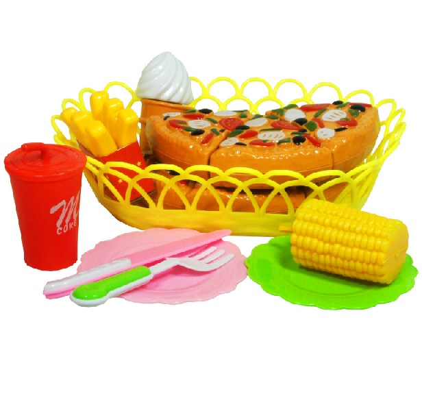 Košík s potravinami na krájení