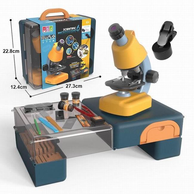 Mikroskop s doplňky v kufříku
