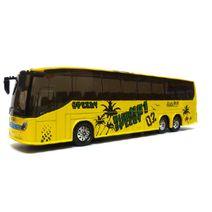 Kovový autobus Autokar