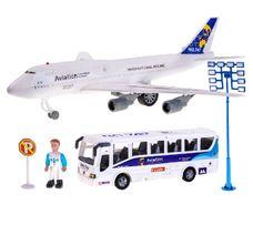 Letištní souprava: letadlo + autobus