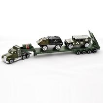 Vojenský kamion s auty