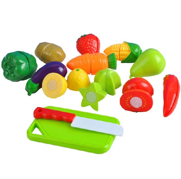 Sada ovoce a zeleniny na krájení