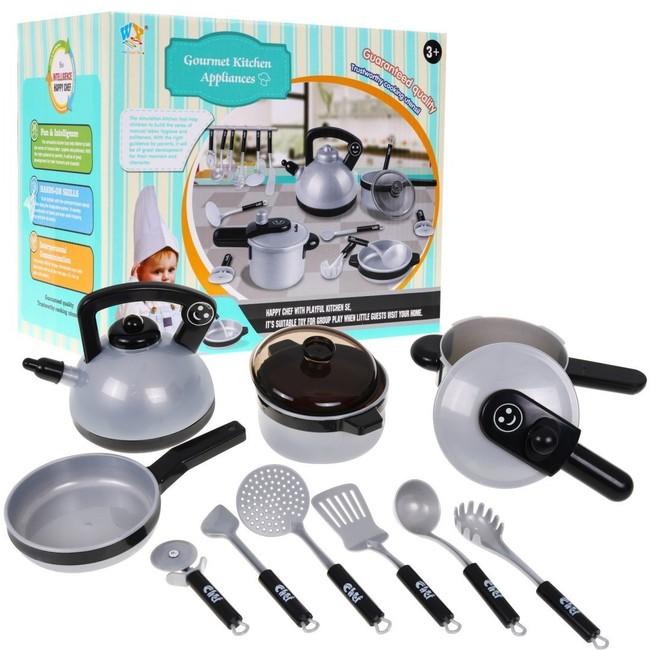 Stříbrná kuchyňská souprava
